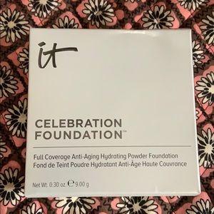 IT Celebration Foundation NIB light plus brush